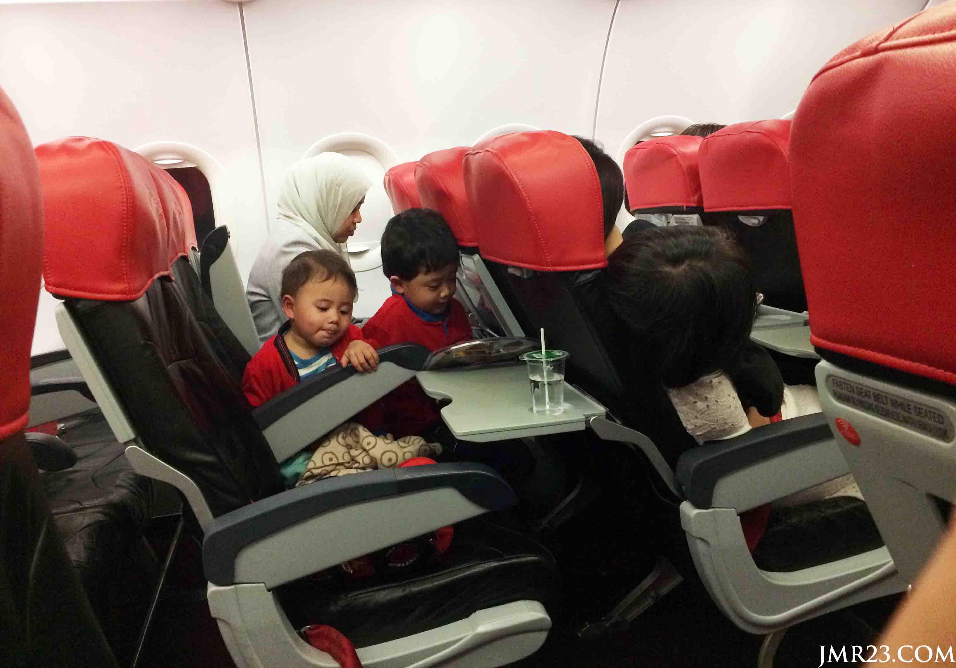 Cara Sediakan Susu Anak Semasa Penerbangan