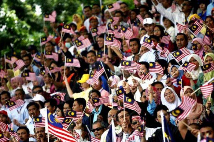 Tak Rugi Baca: Ramai Orang Mahu Melihat Negara Kita Hancur.
