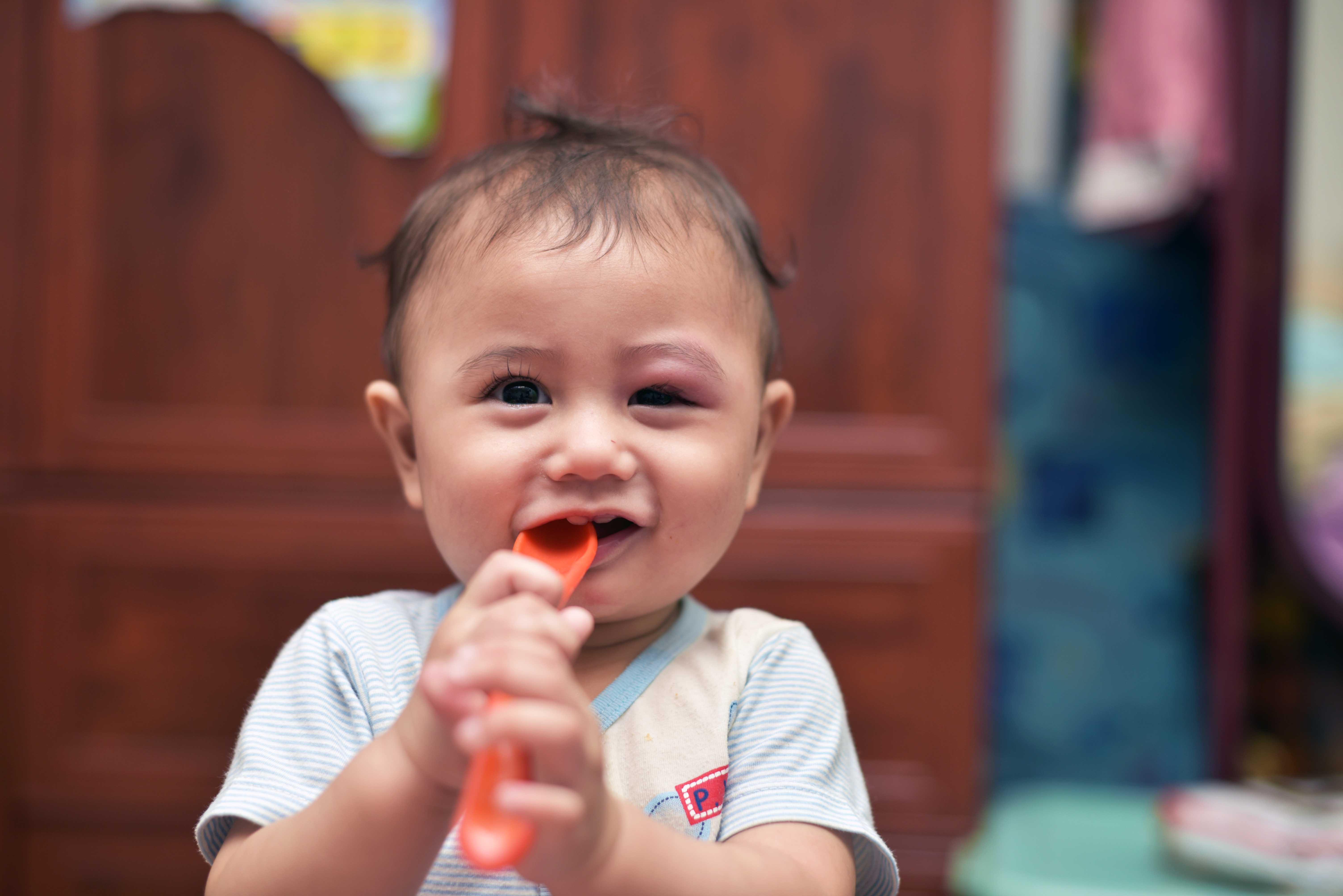 Petua Hilangkan Ketumbit. Mitos Intai Anak Dara Mandi!