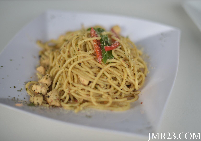 Spaghetti Chicken Aglio Olio
