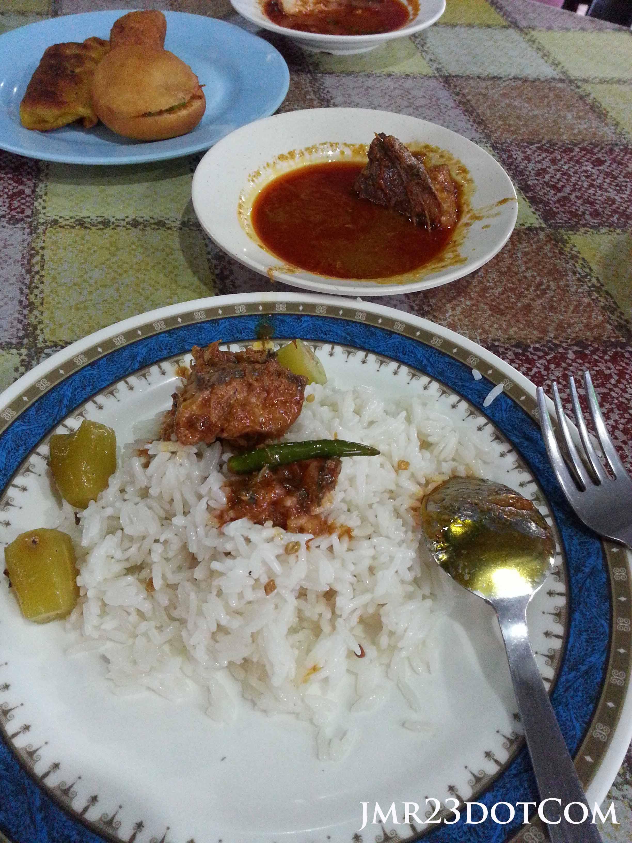 Nasi dagang Terengganu sedap